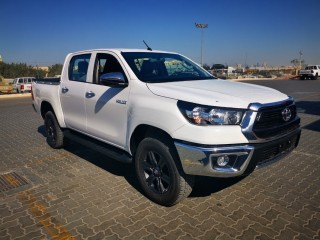 Neatly Used LHD 2015 TOYOTA HILUX