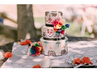 Custom Wedding and Birthday Cake Shop